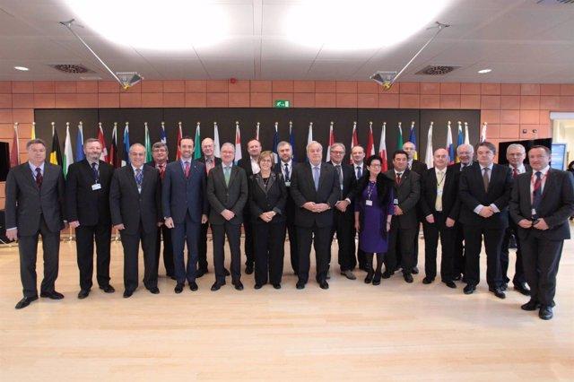 Valcárcel junto a los representantes de las delegaciones nacionales del CdR