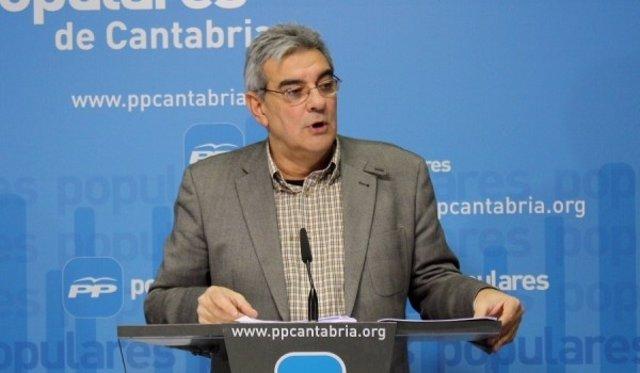 El portavoz del PP en el Parlamento cántabro, Eduardo Van den Eynde