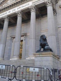 Puerta del Congreso sin andamios
