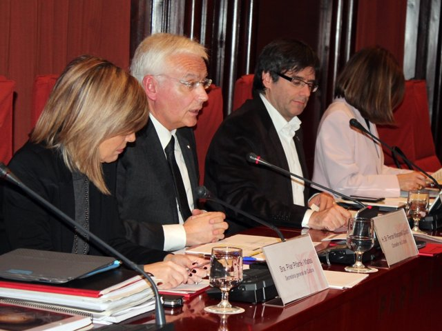 La diputada P.Pifarré, el conseller F.Mascarell y el diputado C.Puigdemont.