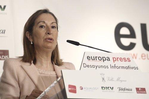 Ana Pastor en el Desayuno de Europa Press