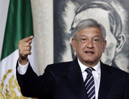 """López Obrador, """"estable"""" tras sufrir un infarto"""