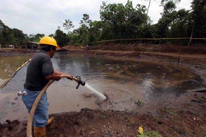 Correa anuncia que Petroamazonas explorará los yacimientos de petróleo que no despierten interés de inversores