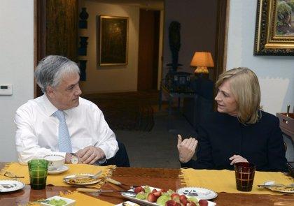 El Gobierno confía en que la popularidad de Piñera beneficie a Matthei