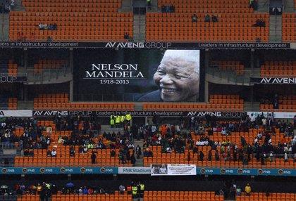 FIFA homenajeará a Mandela antes del saque inicial de cada partido