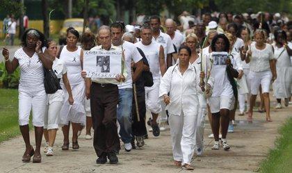 Detenidas varias 'damas de blanco' en una protesta el Día de los DDHH