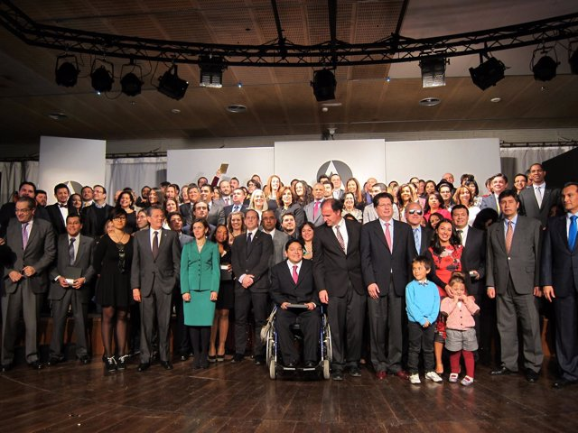 Los 100 latinos premiados en Casa América