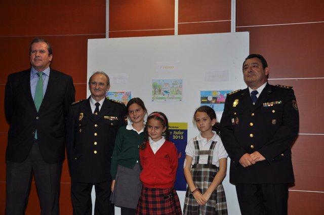 Ganadoras del Concurso de Pintura de la Policía Nacional