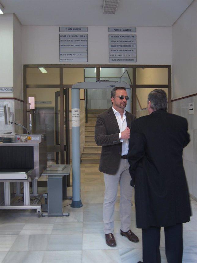 Jorge Moreno antes de declarar como testigo en el caso Quality Food