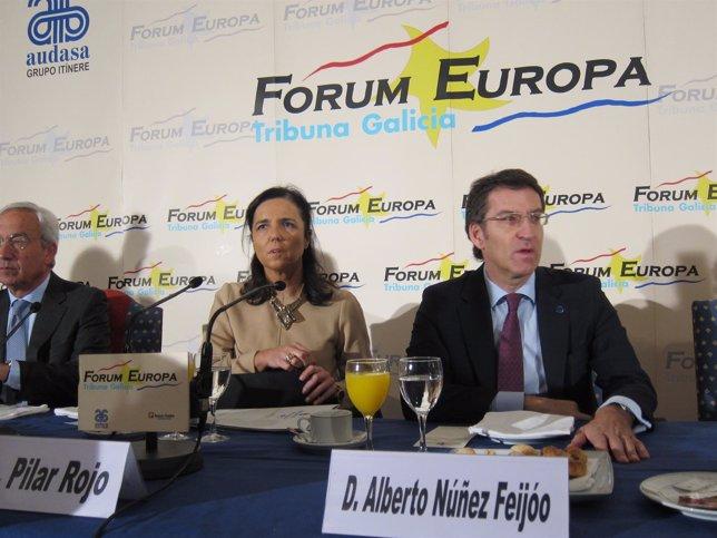 Pilar Rojo y Feijóo, en el desayuno de Forum Europa