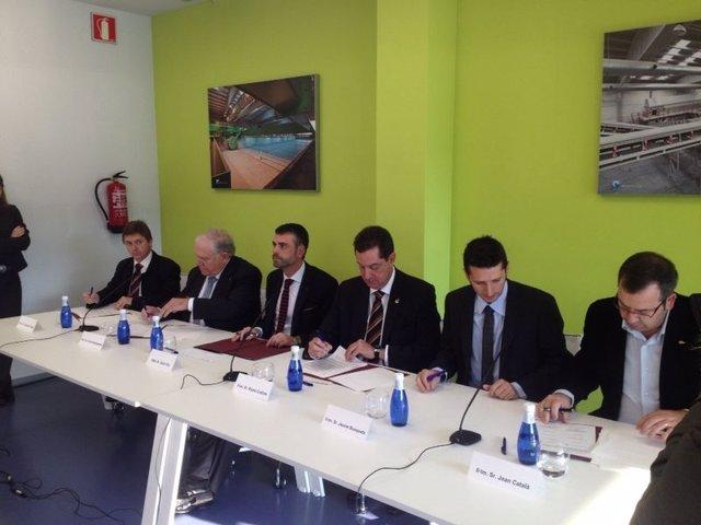 Firma del acuerdo para integrar la gestión de residuos municipales