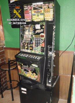 Máquina recreativa forzada en Villablino