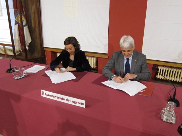 Gamarra y Arnáez firman el acuerdo