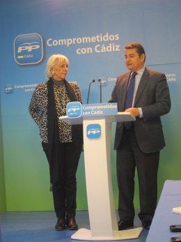 Teófila Martínez y Antonio Sanz, en el transcurso de la rueda de prensa.