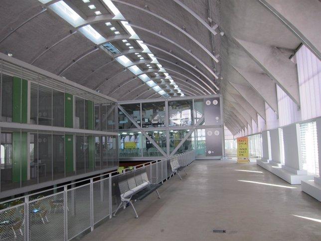Oficina Del Edificio Embarcadero En Cáceres