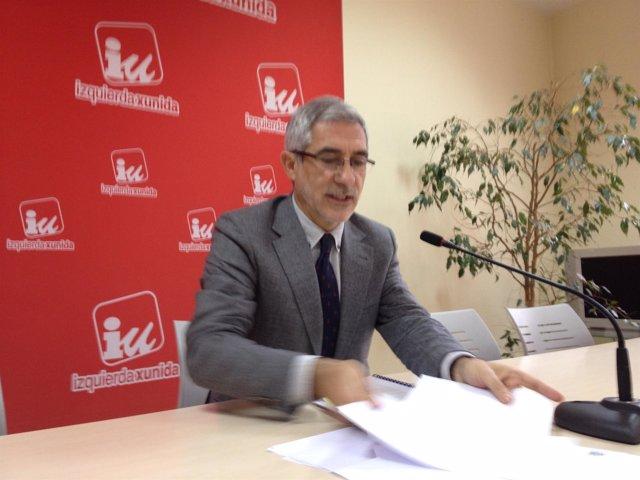 Gaspar Llamazares en rueda de prensa