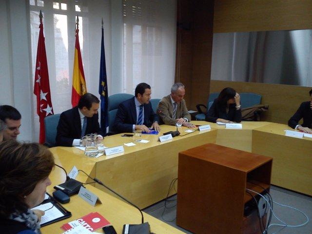 Pablo Cavero en la reunión del Comité Madrileño de Transporte
