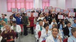 Protesta en la presentación del proyecto de Valdecilla