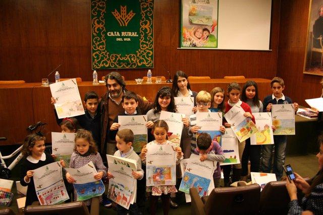 Entrega premos del concurso de pintura infantil sobre agricultura y ganadería.