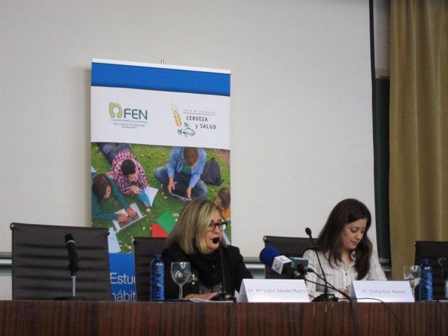 Decana de Farmacia (izq) y Emma ruiz, de la Fundación Española de la Nutrición