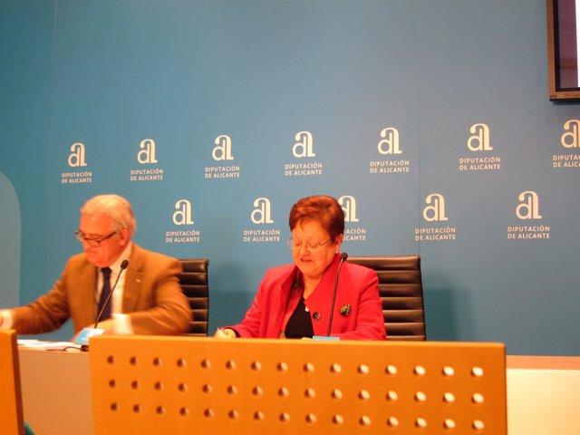 La presidenta de la Diputación de Alicante y el diputado de Hacienda