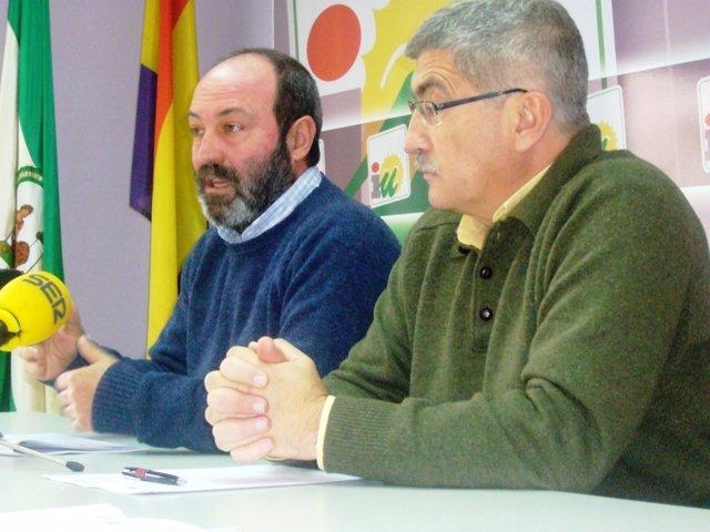 Pedro Jiménez y Juan Manuel Arazola, ediles de IU en el Ayuntamiento.