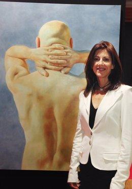 La pintora Perla Fuertes expone su obra 'De Espaldas al Mundo' en el Louvre