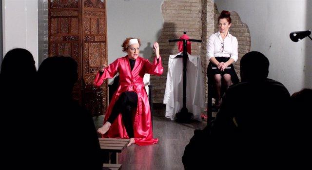 Representación de uno de los montajes de 'Con la Caña al Teatro'