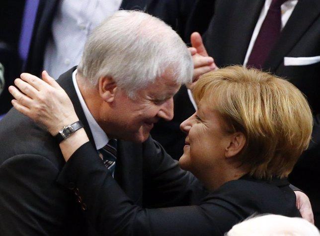 Angela Merkel, investida canciller de Alemania