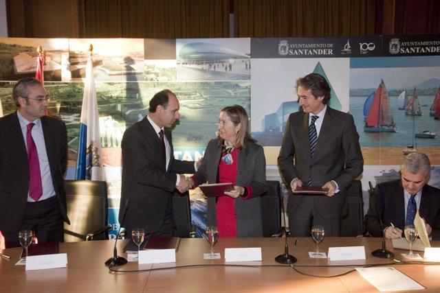 Firma del convenio sobre el frente marítimo
