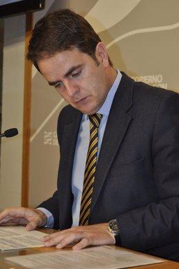 El portavoz del Gobierno de Aragón, Roberto Bermúdez de Castro.