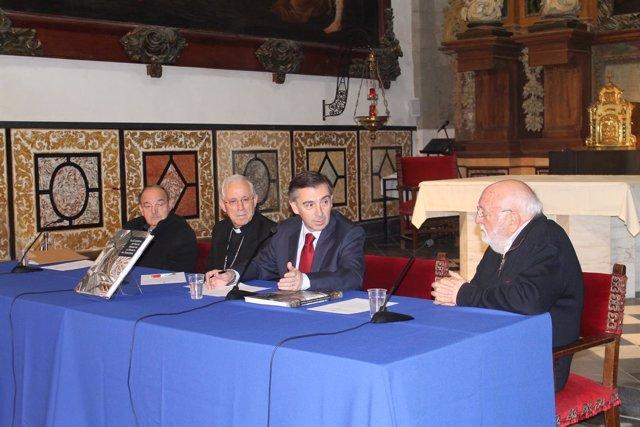 El libro repasa todas las épocas constructivas de la Catedral de Tarazona