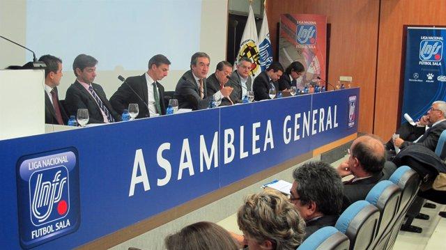 Javier Lozano, en la Asamblea General de Clubes