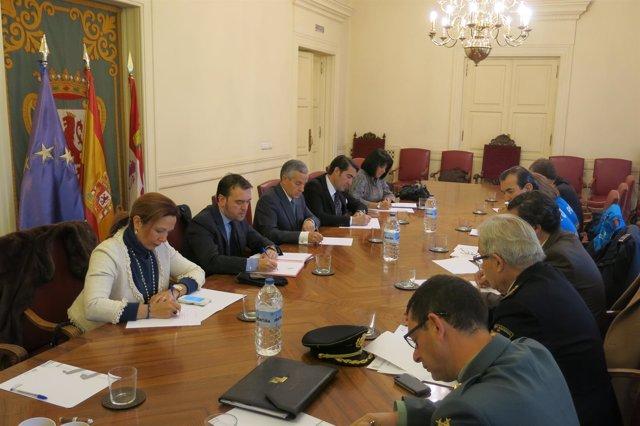 Emilio Gutiérrez y Juan Carlos Suárez-Quiñones en la Junta Local de Seguridad