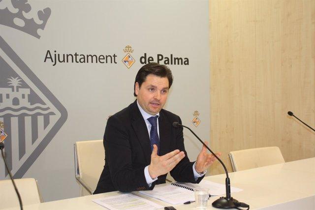 El teniente de alcalde de Urbanismo y Vivienda, Jesús Valls