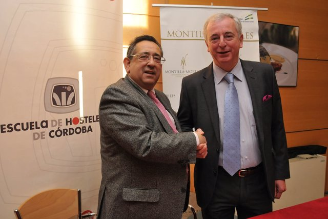 Firma del convenio con Ricardo Rojas y Javier Martín