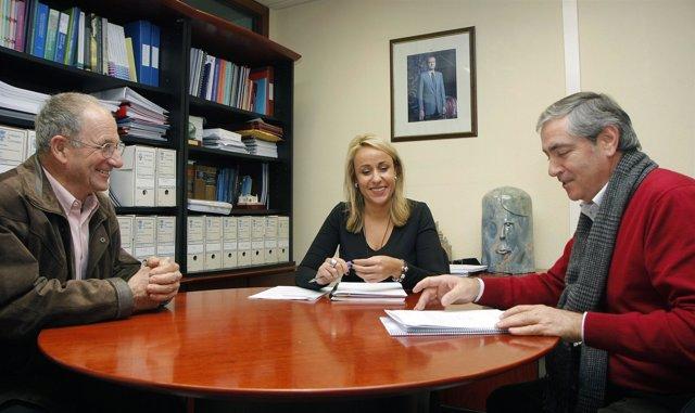 Martínez se reúne con Moya y Terán