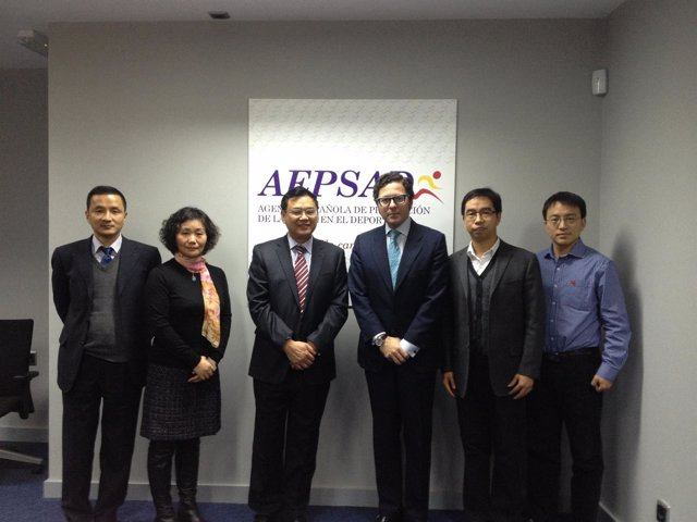 Manuel Quintanar recibe a una delegación de la Administración China