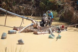 Minería ilegal en Amazonía en Perú