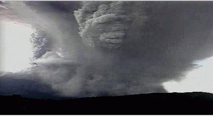 Más de 1.600 evacuados por la erupción del volcán Chaparrastique