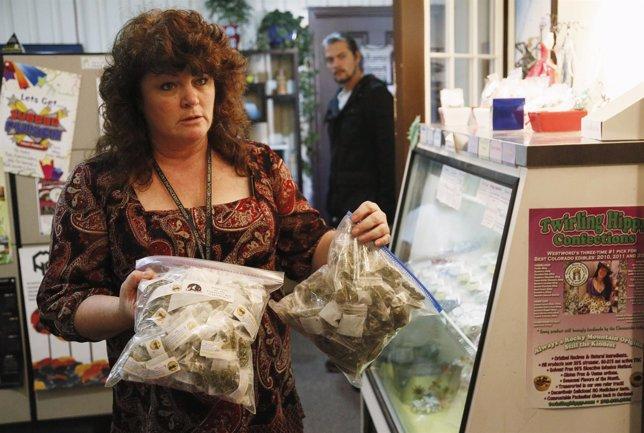 Comerciante de Denver con bolsas de marihuana