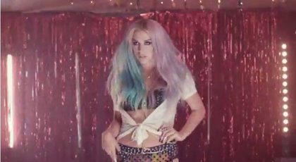 Kesha lanza el videoclip de 'Dirty love'