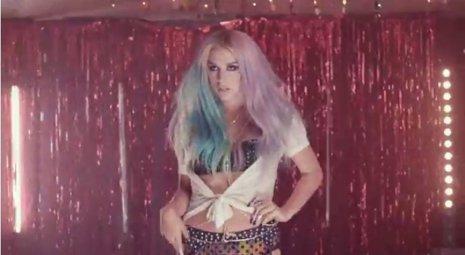 Kesha lanza el clip de 'Dirty Love'