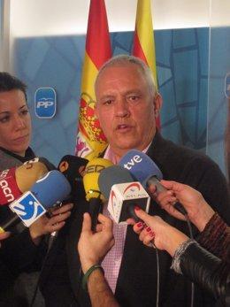 El portavoz adjunto del PP en el Parlament, Santi Rodríguez