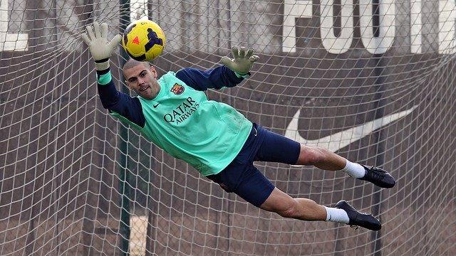 Valdés regresa a la convocatoria junto a Xavi y Neymar