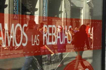 Las rebajas pueden aumentar el riesgo de desarrollar trastornos de compras compulsivas