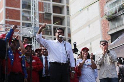 Maduro anuncia una subida del 10% del salario mínimo y las pensiones