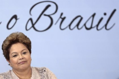 """Rousseff dice que la """"educación es el pasaporte para el futuro"""""""