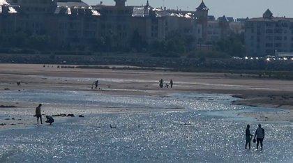 Unos 100 municipios esperan poder seguir en la costa y no ser demolidos