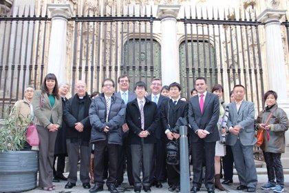 Marín recibe en Toledo a una delegación del Trofeo Kisei de Go